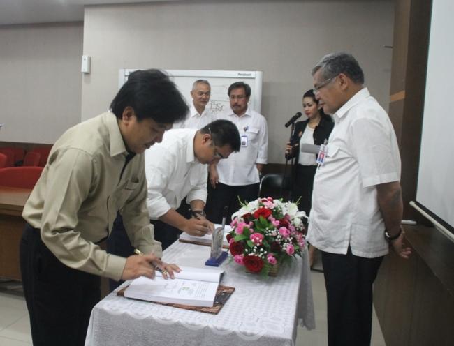 Penandatanganan Kontrak Paket Pekerjaan Rehabilitasi Jaringan Irigasi