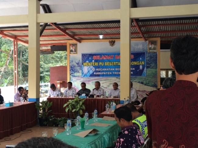 Menteri PUPR Gelar Pertemuan dengan Perangkat Desa Kecamatan Bendungan