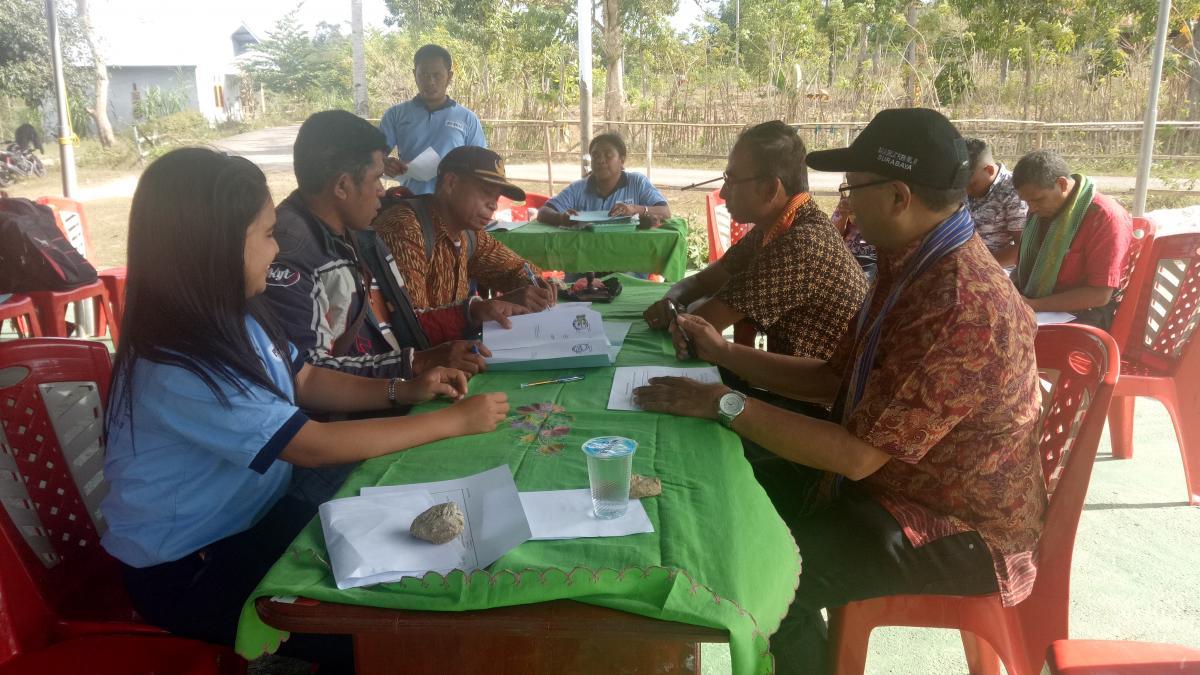 Penyerahan 12 Paket Pekerjaan P3TGAI di Kabupaten Timor Tengah Selatan di Provinsi NTT