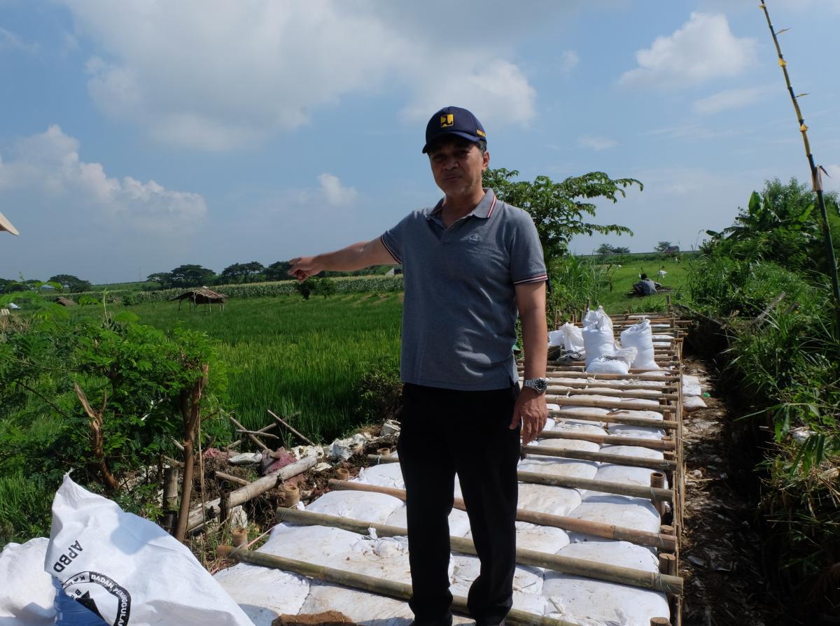 Dirjen SDA Tinjau Penanganan Tanggul Jebol di Sungai Tanjung Cirebon