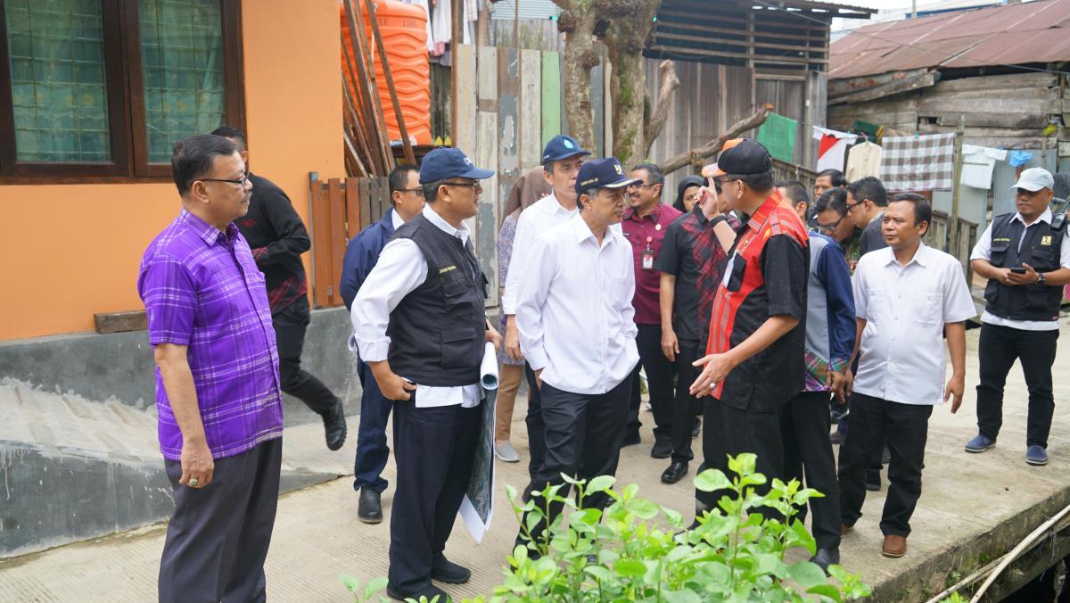 Dirjen SDA Hari Suprayogi Tinjau Banjir di Samarinda