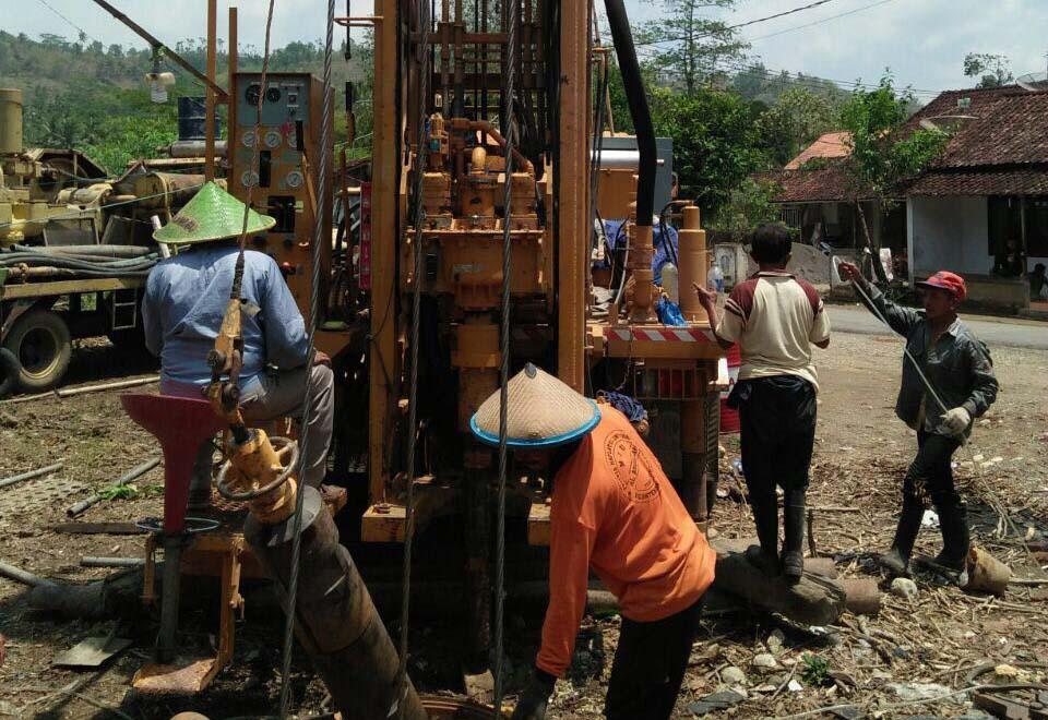 Pekerjaan  Pengeboran PAT Brantas untuk Mengatasi Kekeringan di Wilayah Kabupaten Trenggalek