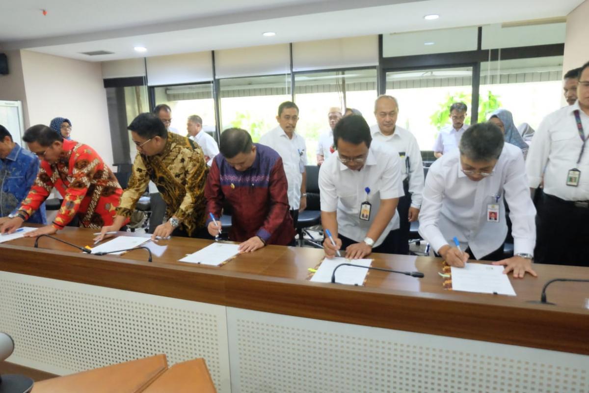 Penandatanganan KSB SPAM Regional Gorontalo Raya