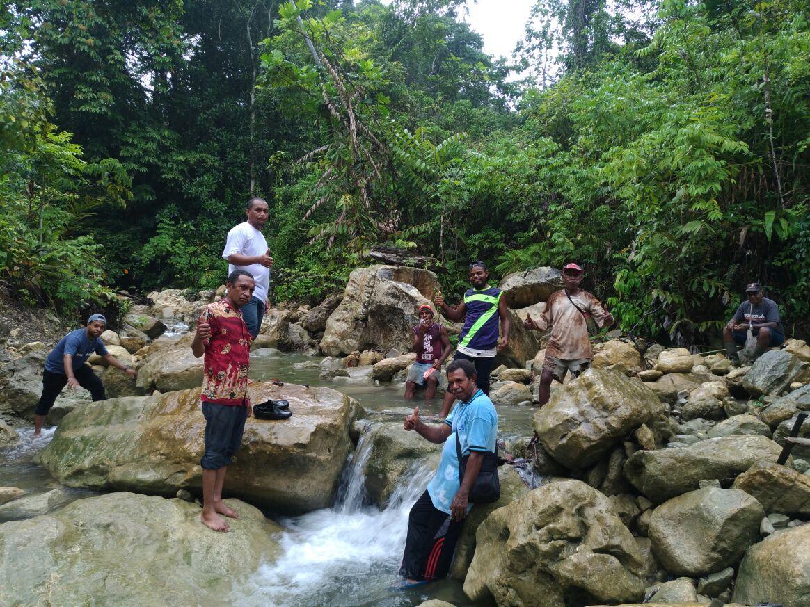 Survey penyediaan air baku untuk masyarakat Repang Muaif