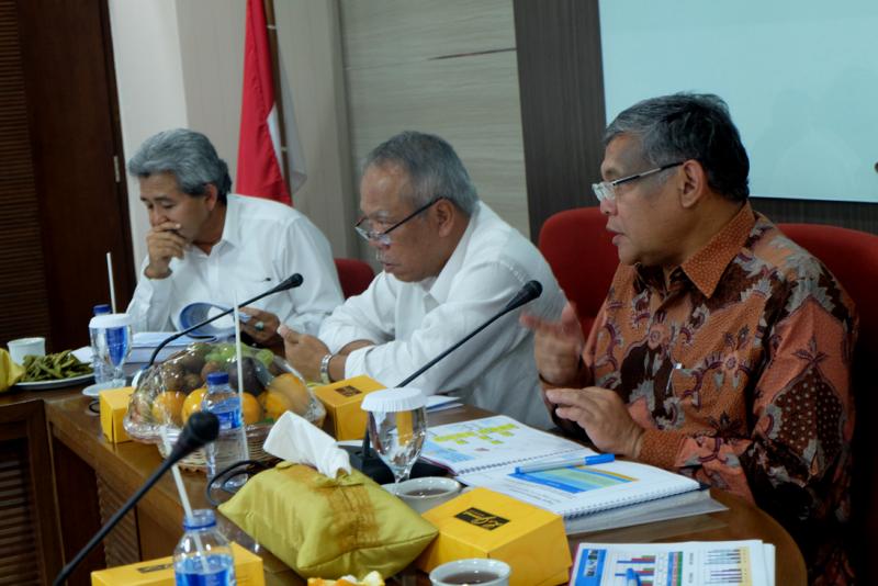 Menteri PUPR Dorong Ditjen SDA Percepat Kegiatan 2016