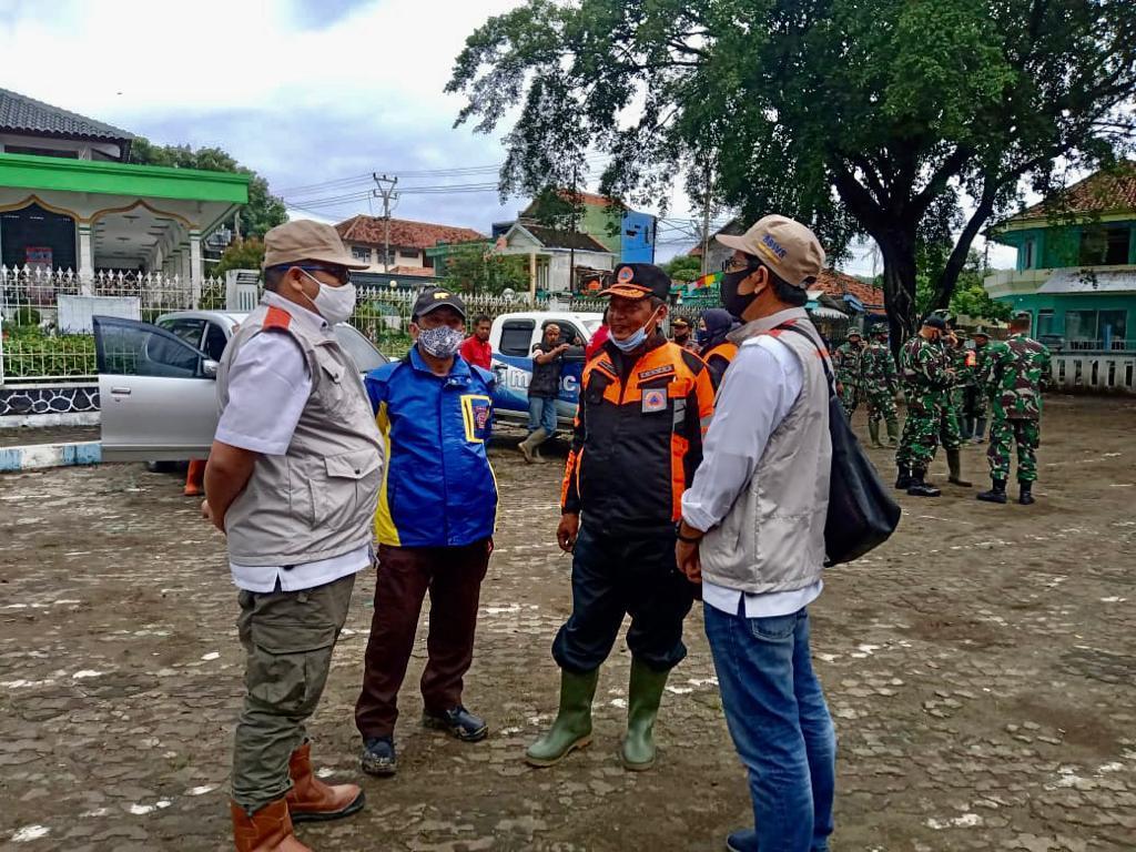 Satgas Bencana BBWS Cimanuk Cisanggarung Kirim Bantuan ke Lokasi Bencana Banjir Bandang Kabupaten Garut