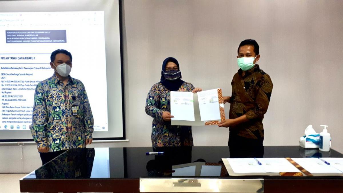 BBWS Cimanuk Cisanggarung Tandatangani Empat Kontrak Lelang Dini TA 2021