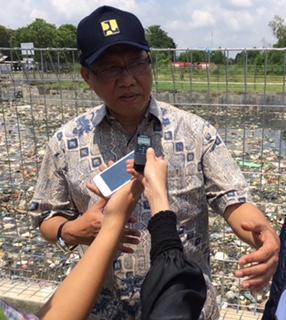 Sampah Sebabkan Penyempitan Alur Sungai di Jambi
