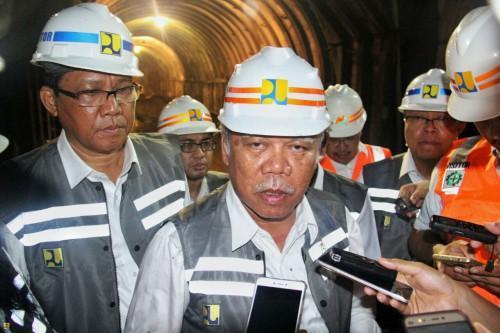 Malam Hari, Menteri Basuki Cek Pembangunan Terowongan Bendungan Kuwil Kawangkoan