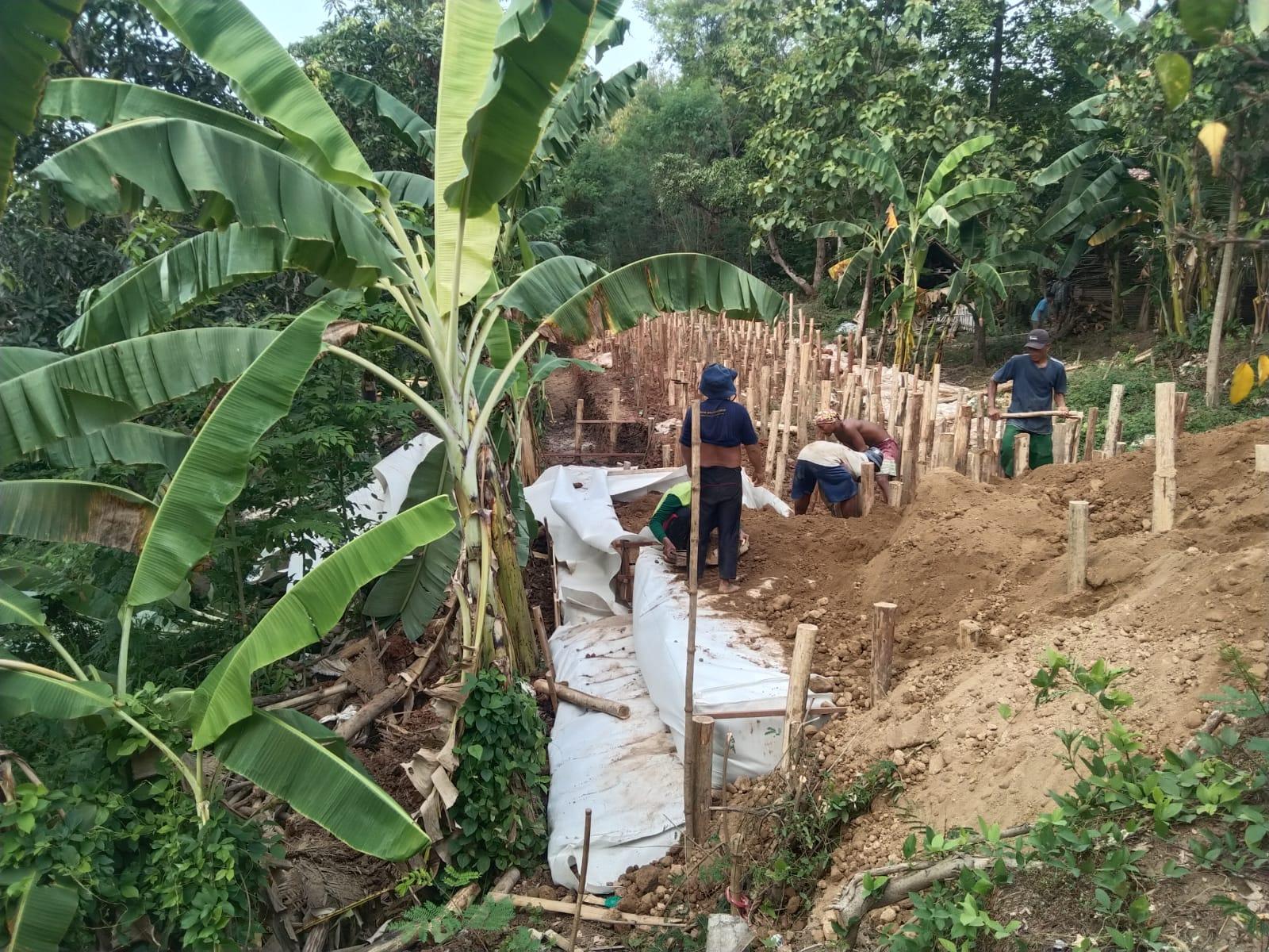 Antisipasi Bencana, Tim SIGAB BBWS Cimanuk Cisanggarung Gerak Cepat Perbaiki Tanggul Sukagumiwang