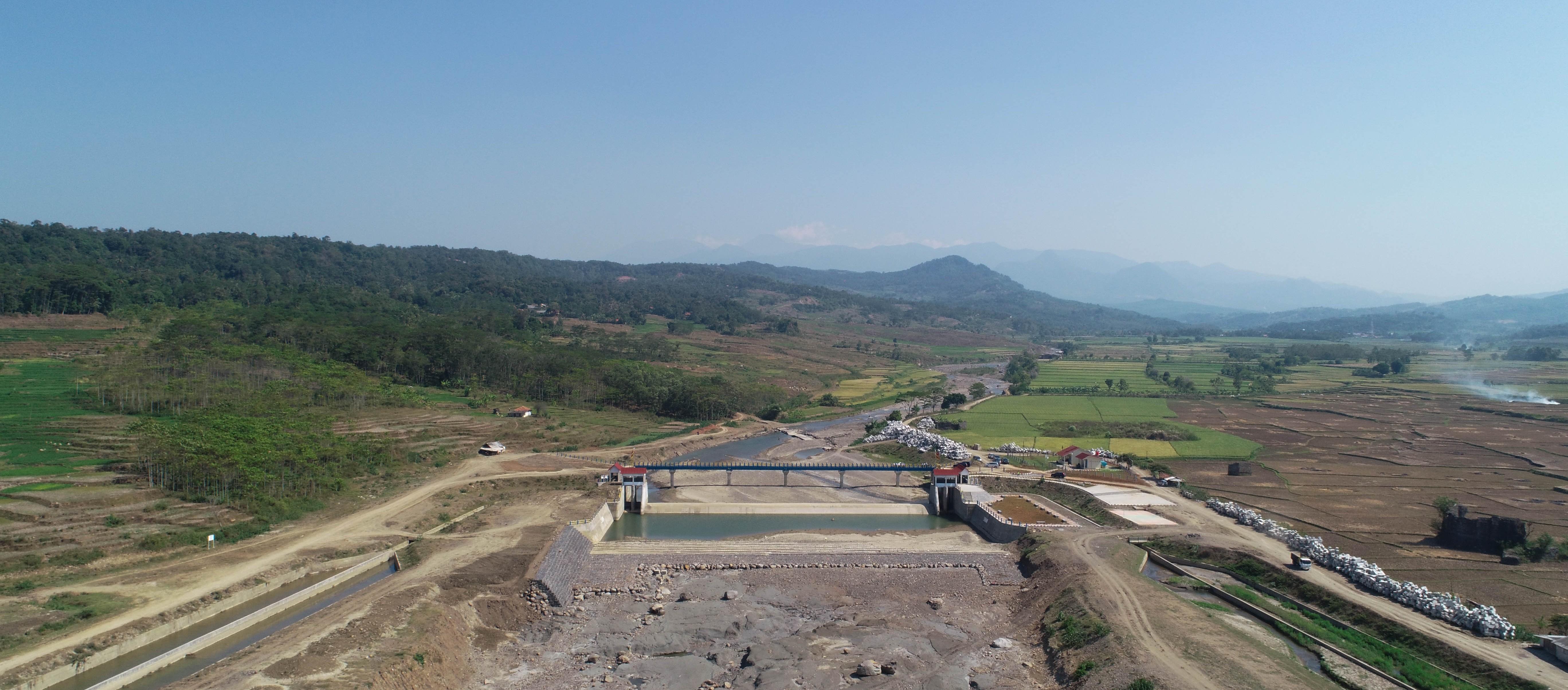 Tinjauan Lokasi Pembangunan Groundsill Bendung Cipamingkis
