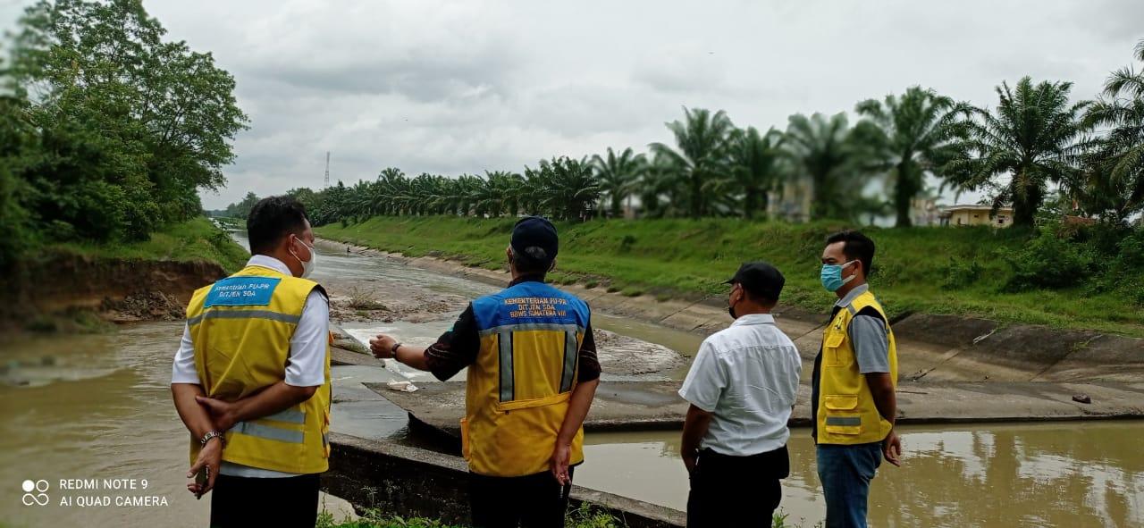 Kepala BBWS Sumatera VIII Tinjau Lokasi Saluran Jebol di Kurungan Nyawa