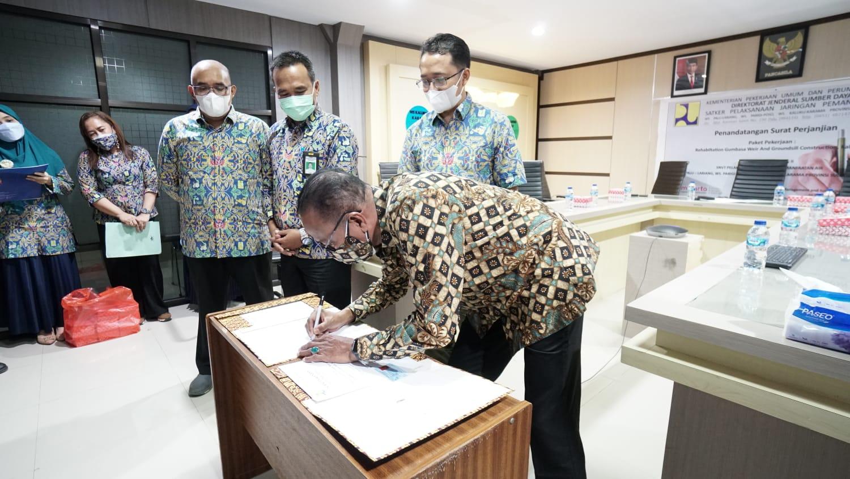 penandatanganan-kontrak-pekerjaan-rehabilitation-gumbasa-weir-and-groundsill-construction-kab-sigi