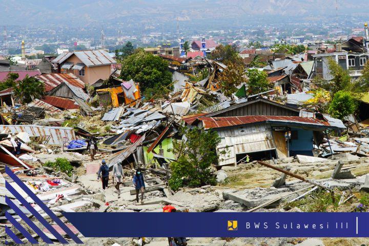 tsunami-dan-likuifaksi-di-kota-palu