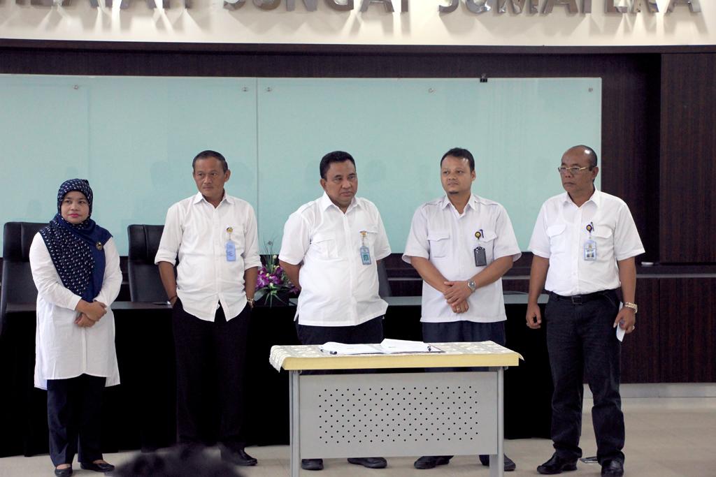Penandatanganan Kontrak di Lingkungan Balai Wilayah Sungai Sumatera V