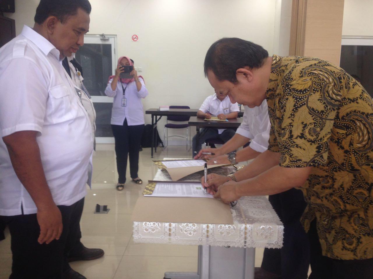 Penandatanganan Kontrak Pembangunan Konstruksi dan Supervisi DI Batang Bayang Kab. Pasaman Barat
