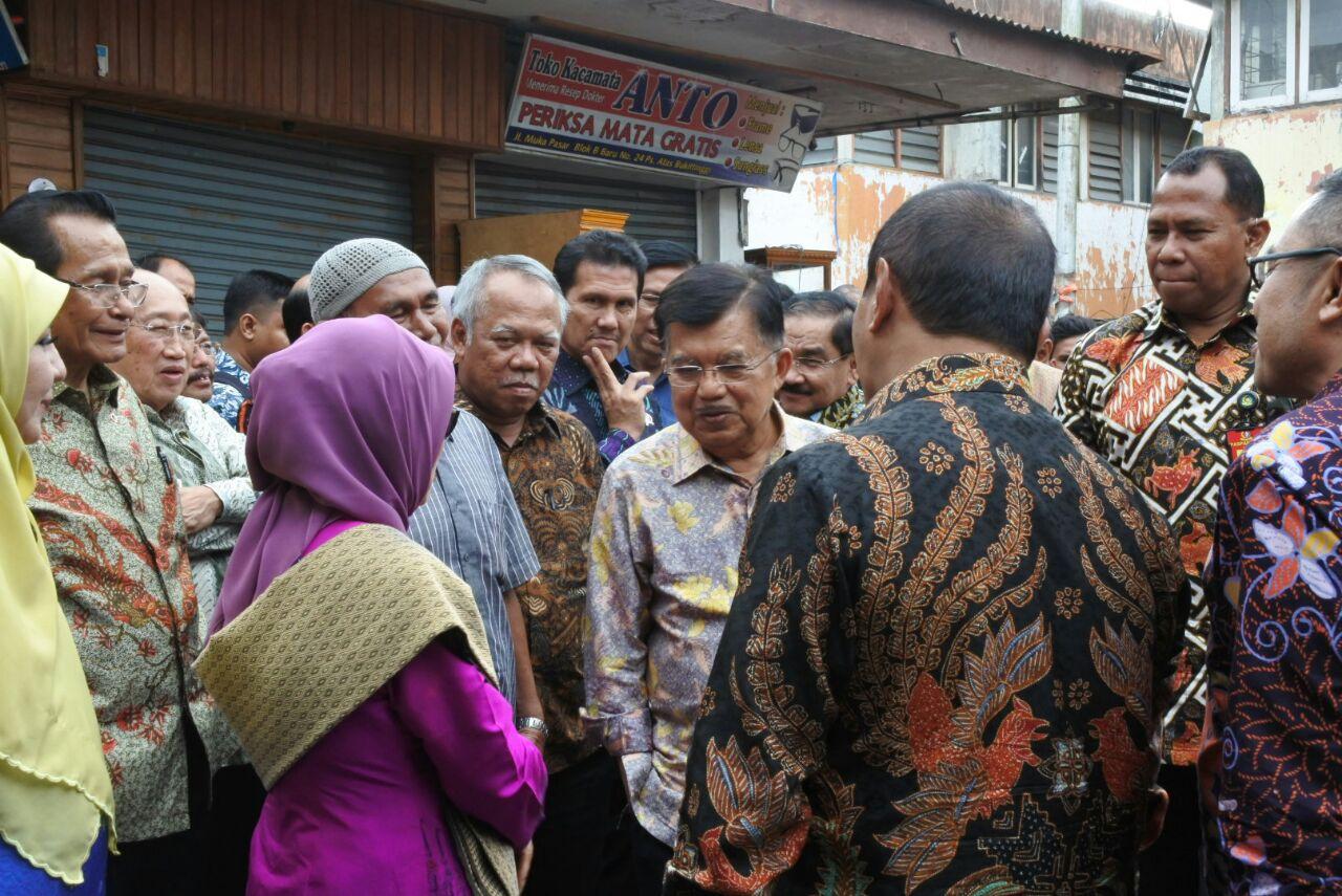 Kunjungan Bersama Wakil Presiden RI dan Menteri PUPR ke Pasar Atas Bukittinggi Pasca Terbakar