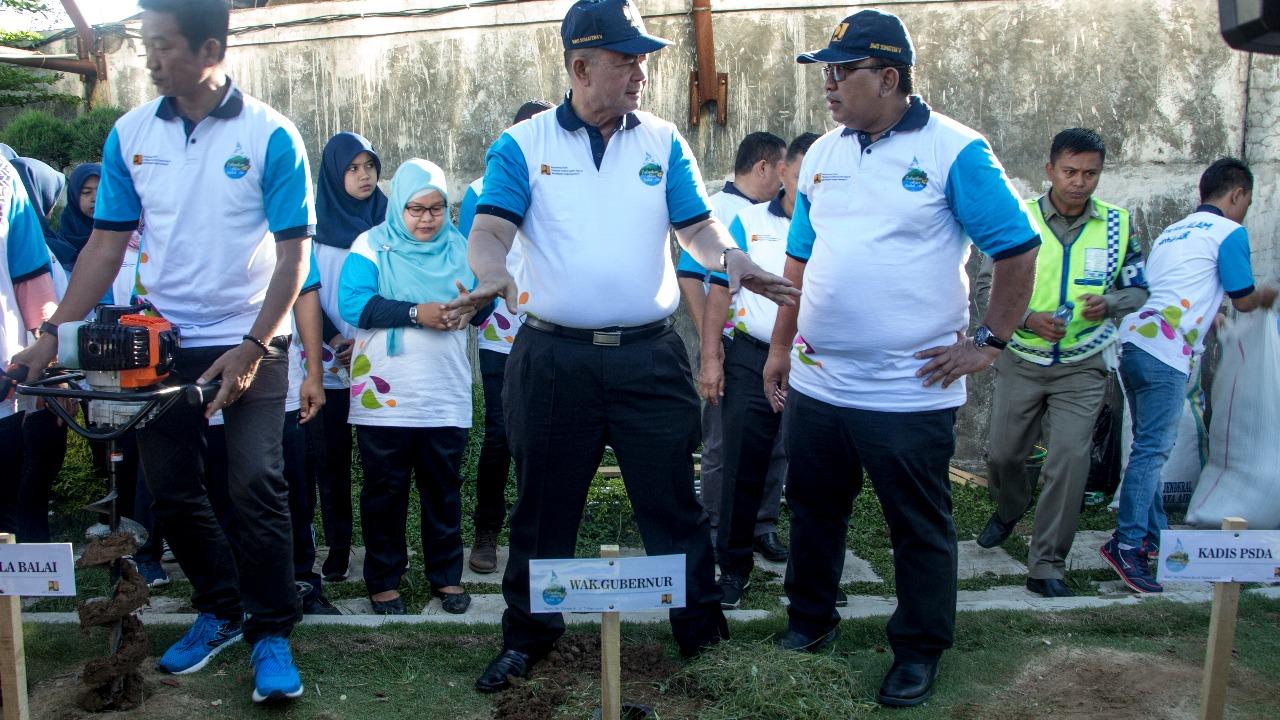 Puncak Peringatan Hari Air Dunia 2018 Sumatera Barat Lakukan Aksi Pembuatan Biopori