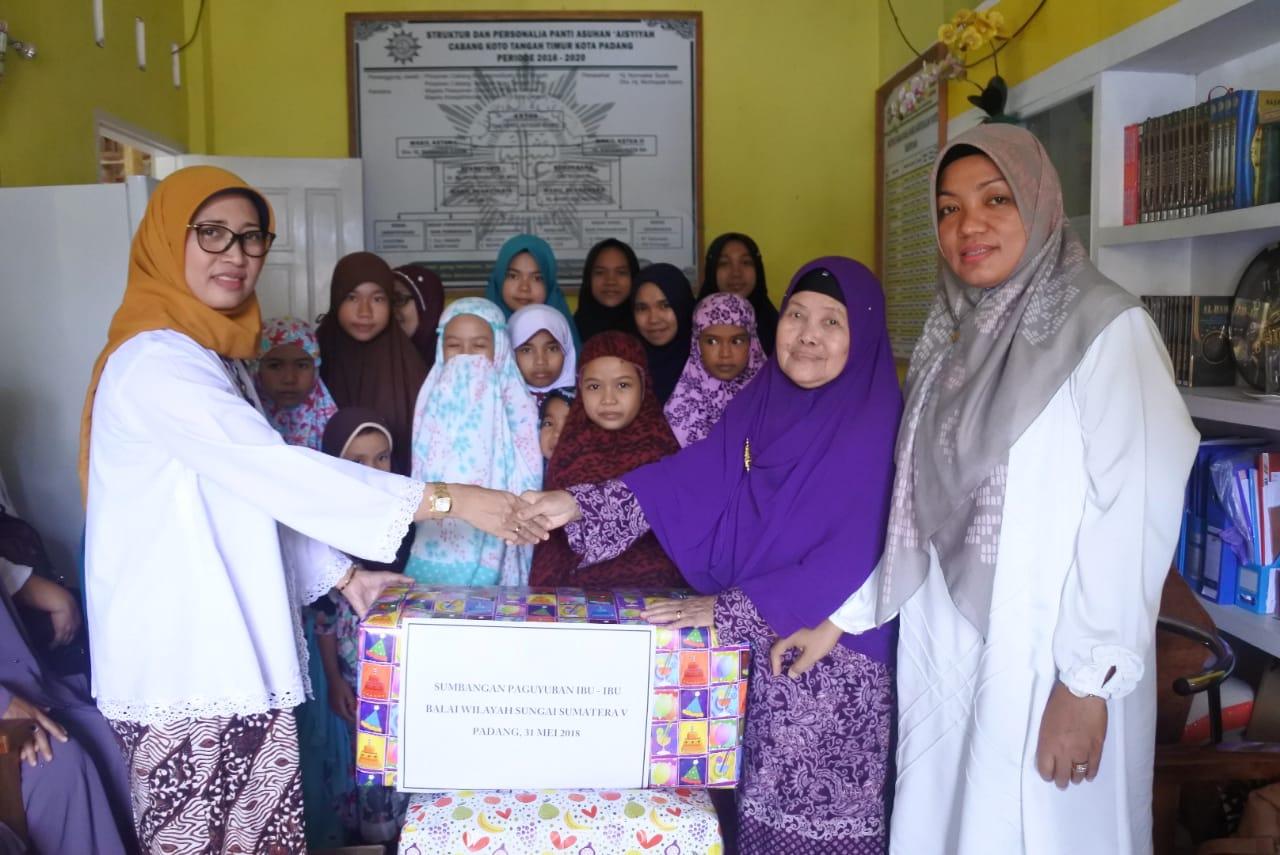 Ramadhan Bulan Amal bagi Paguyuban Ibu Ibu BWS Sumatera V