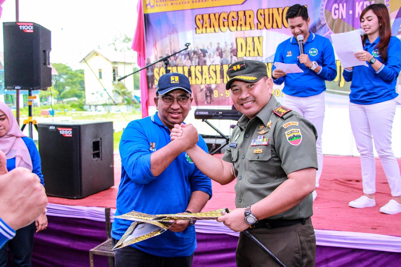 Lakukan Aksi Bersih Danau Cimpago Dan Memanen Air Hujan BWS Sumatera V Sinergi Dengan Kodim 0312 Dan DLH Kota Padang