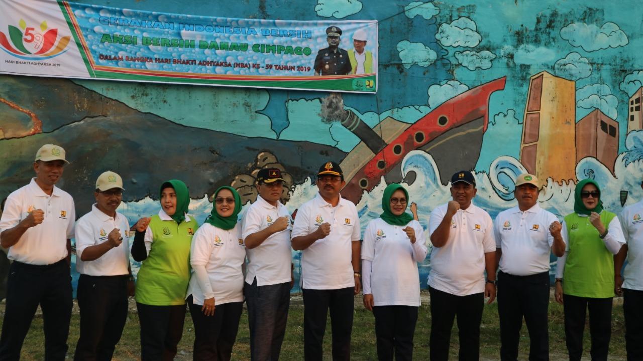 Gerakan Indonesia Bersih, BWS Sumatera V dan Kejati Sumbar Bersih- Bersih Danau Cimpago