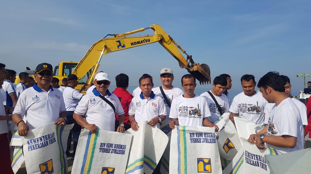 Penanganan Tugu Merpati Bersama Lantamal II Padang