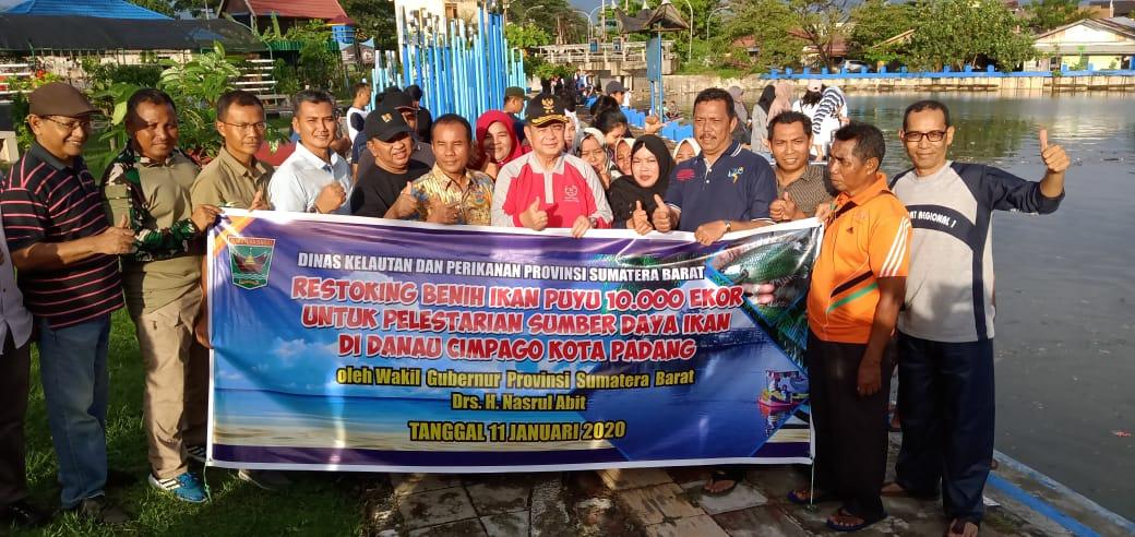 Bersama Memantapkan Danau Cimpago, BWS Sumatera V - Pemprov Sumbar Lepas Ribuan Bibit Ikan Puyu