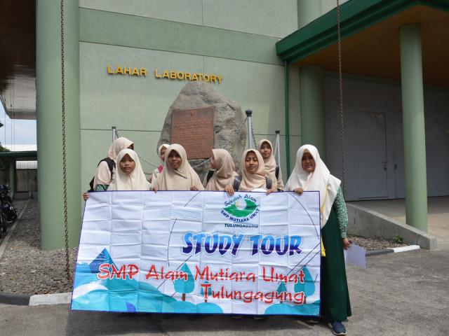 Kunjungan SMP Alam Mutiara